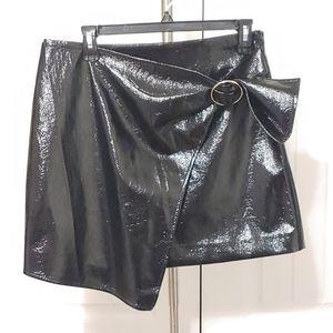 J.O.A. Los Angeles Size L Black Patent Vinyl Skirt
